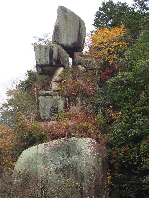 恵那峡 恵那峡めぐり 品の字岩