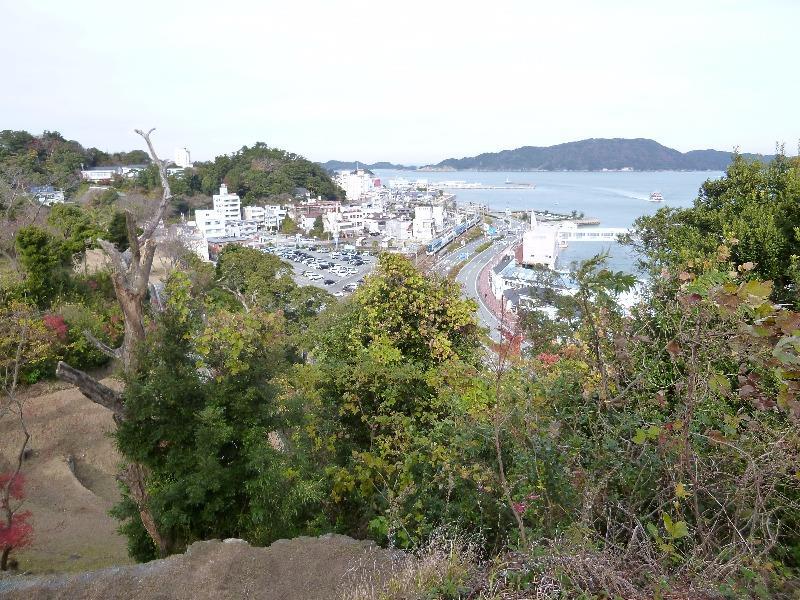 鳥羽城跡……から観光特急「しまかぜ」・賢島行
