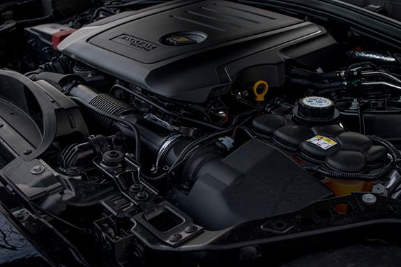 JAGUAR F-PACE (X761) 20d AWD ジャガー Fペース 204DT 2Lディーゼルターボ エンジン
