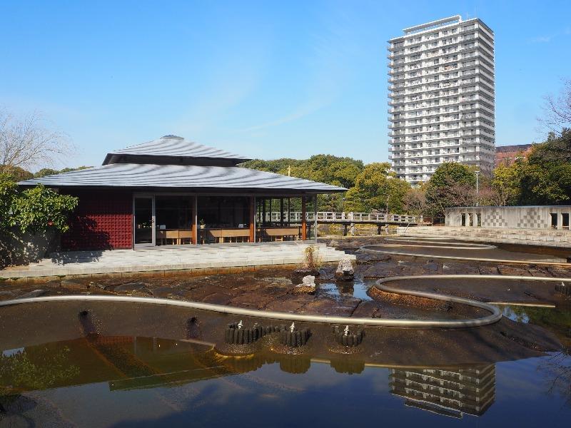白鳥庭園 汐入亭、汐入の庭