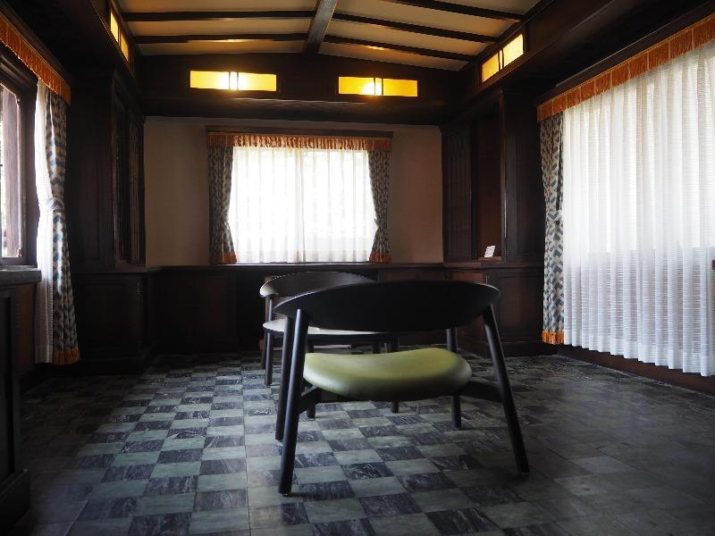 揚輝荘 南園(聴松閣)2階 書斎