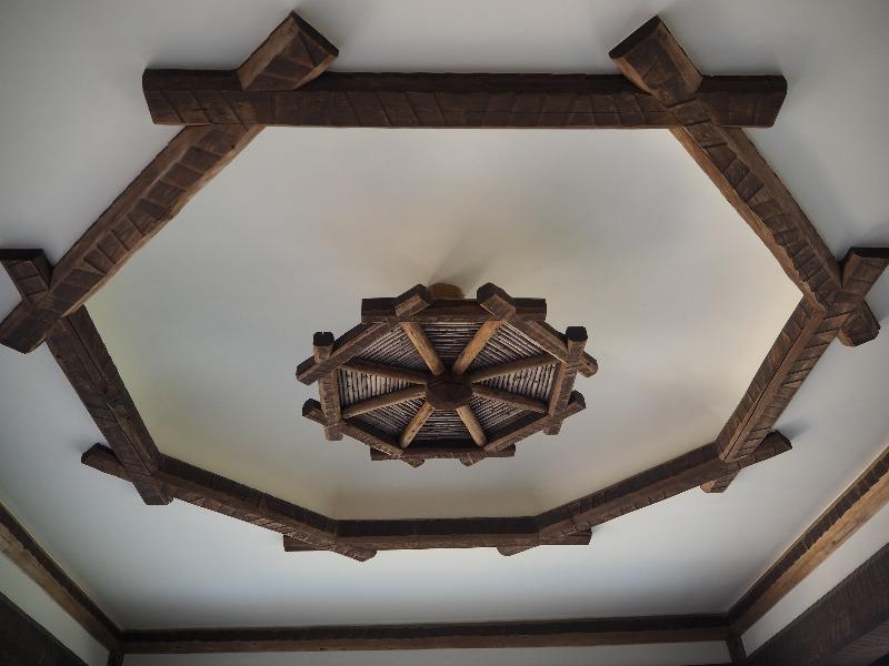 揚輝荘 南園(聴松閣)1階 車寄せ 天井