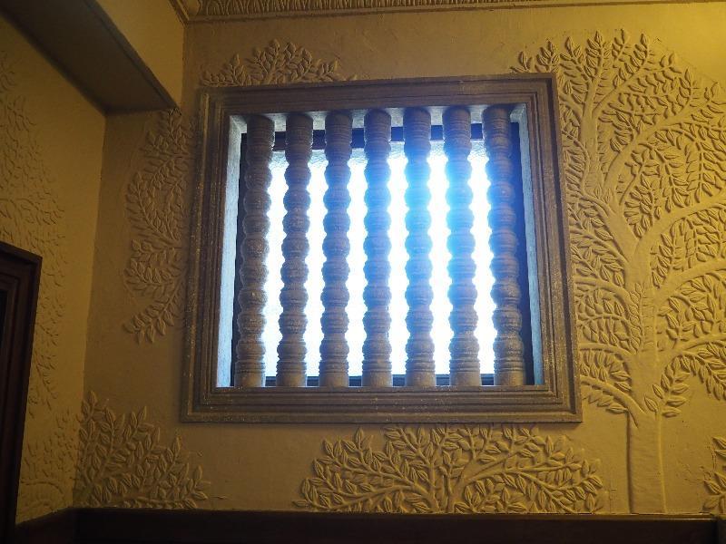 揚輝荘 南園(聴松閣)地階 連子窓