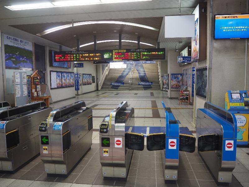 児島駅 改札口