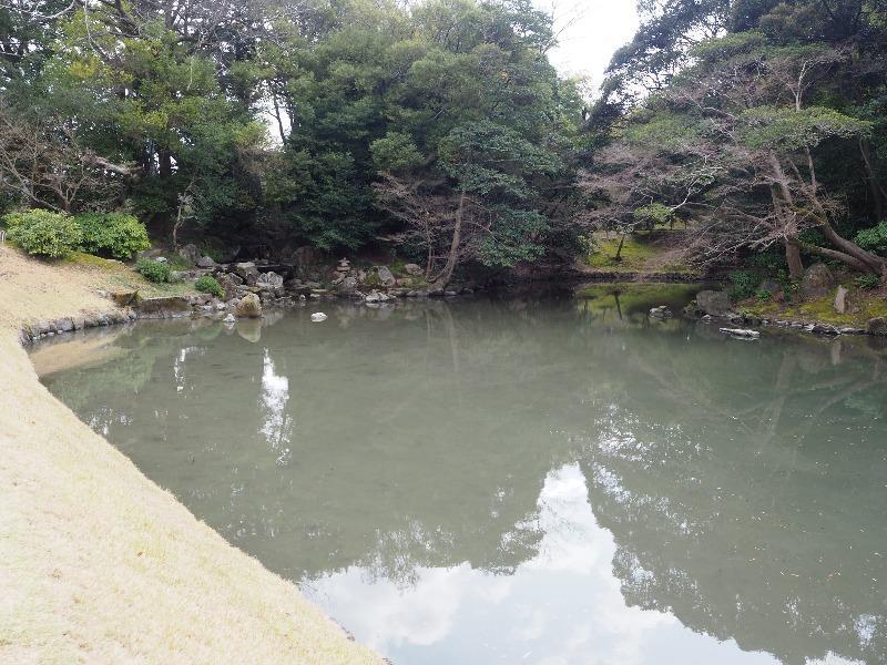 後楽園 花葉の池