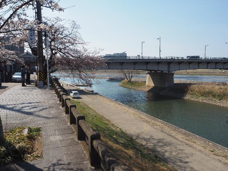 長良川堤 屋形船