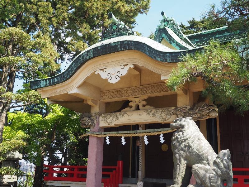 東照宮 社殿(屋根・三つ葉葵の紋所)