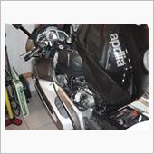 apriliaRST1000FUTURAのエンジンオイル交換、エアクリーナボックス清掃。