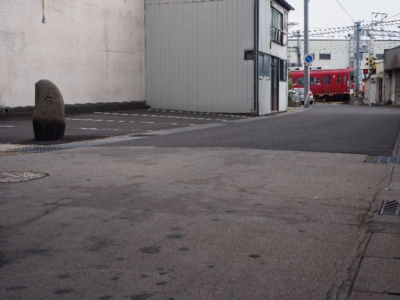中山道 加納宿 安良町道標「右 岐阜 谷汲」
