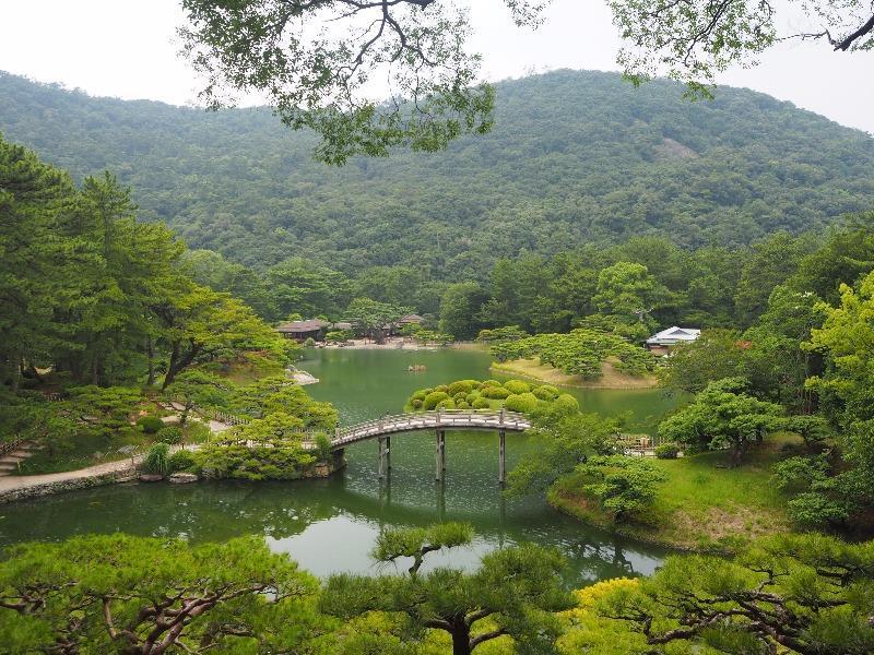 栗林公園 飛来峰……から偃月橋、南湖、紫雲山