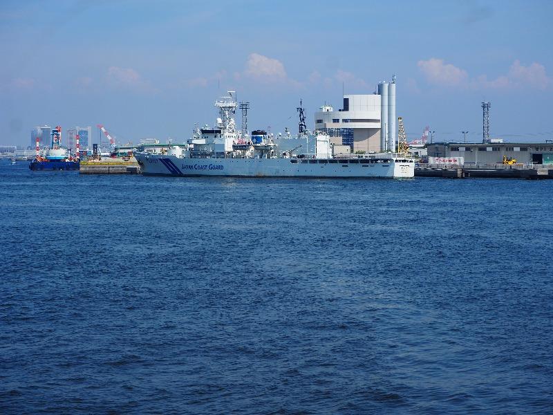 神戸ベイクルーズ ロイヤルプリンセス号 海上保安庁 つがる型巡視船 PLH-07「せっつ」