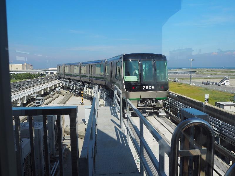 神戸空港駅 ポートライナー 2600型(Mc2)