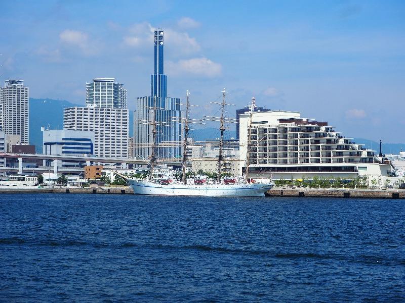 神戸ベイクルーズ ロイヤルプリンセス号 航海練習船「日本丸」