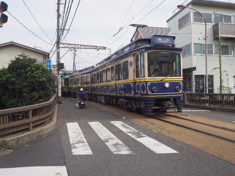 「神戸橋」交差点 江ノ島電鉄 腰越駅 10形電車