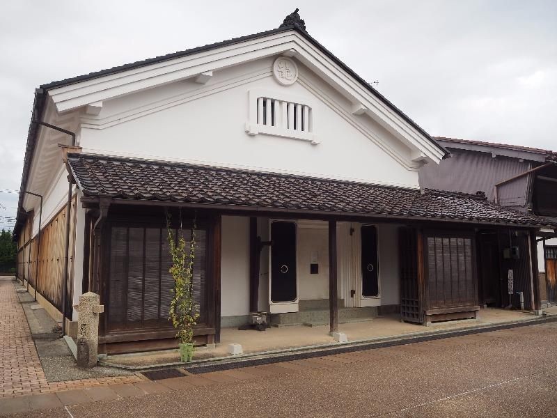 岩瀬 酒商 田尻本店