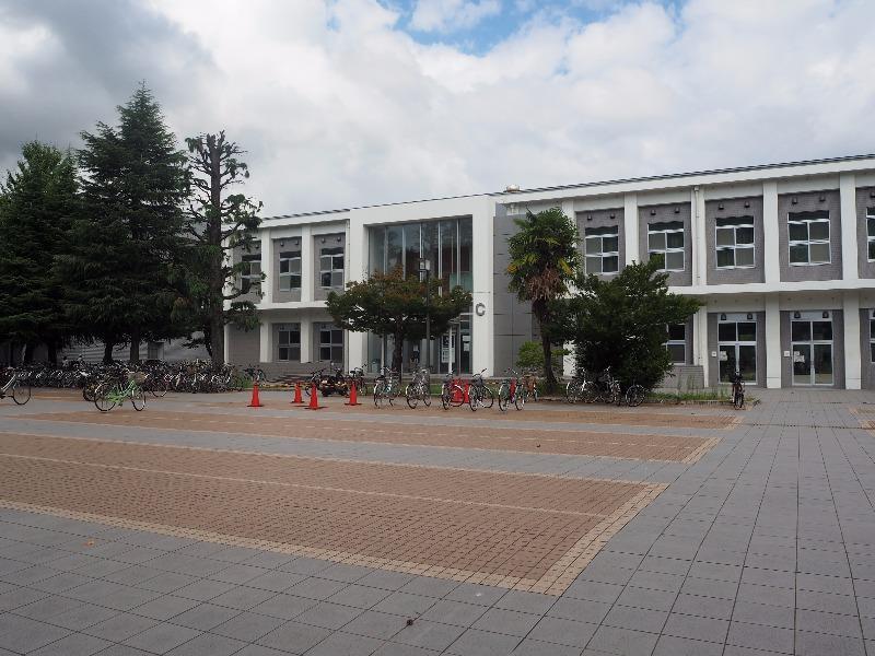 富山大学 共通教育棟