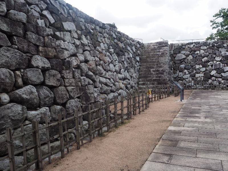 富山城址公園 石垣 野面積み