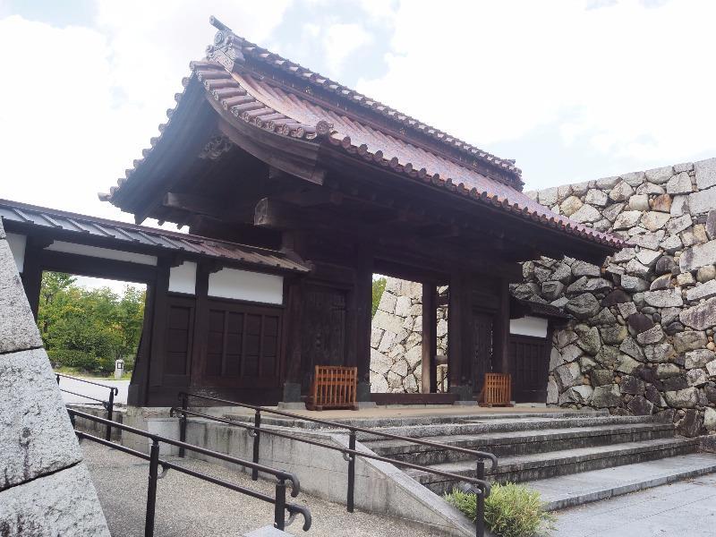 富山城址公園 千歳御門