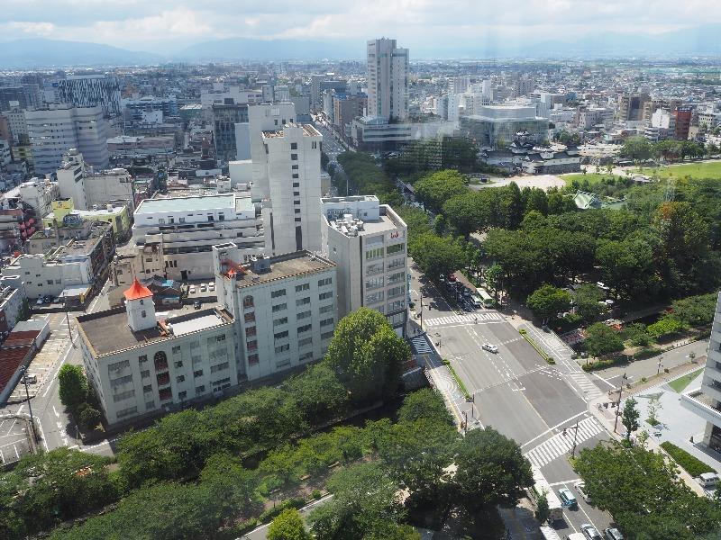 富山市役所 展望塔 南(総曲輪方面)
