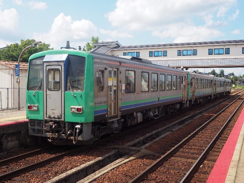 越中八尾駅 キハ120形気動車(JR西日本)