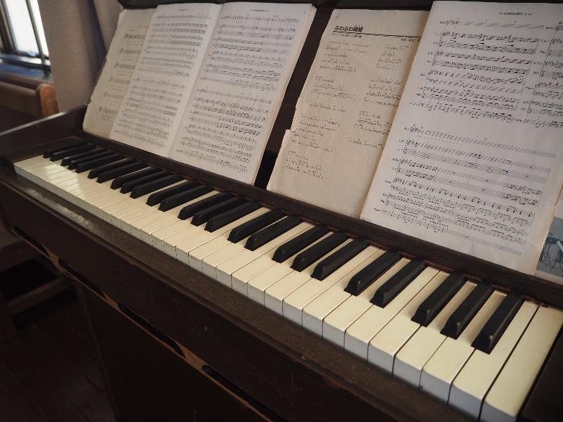 豊郷小学校 旧校舎群 3F 會議室 ピアノ(ふわふわ時間)