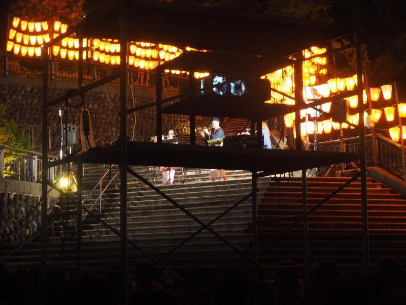 第7回 湯涌ぼんぼり祭り 湯涌稲荷神社 扇階段ステージ 三社員の皆さん