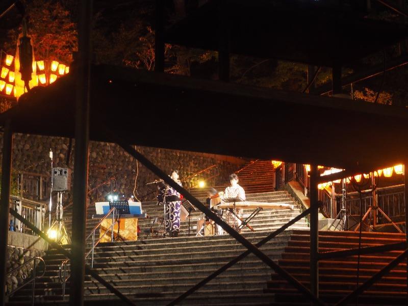 第7回 湯涌ぼんぼり祭り 湯涌稲荷神社 扇階段ステージ ひぐらしの皆さん