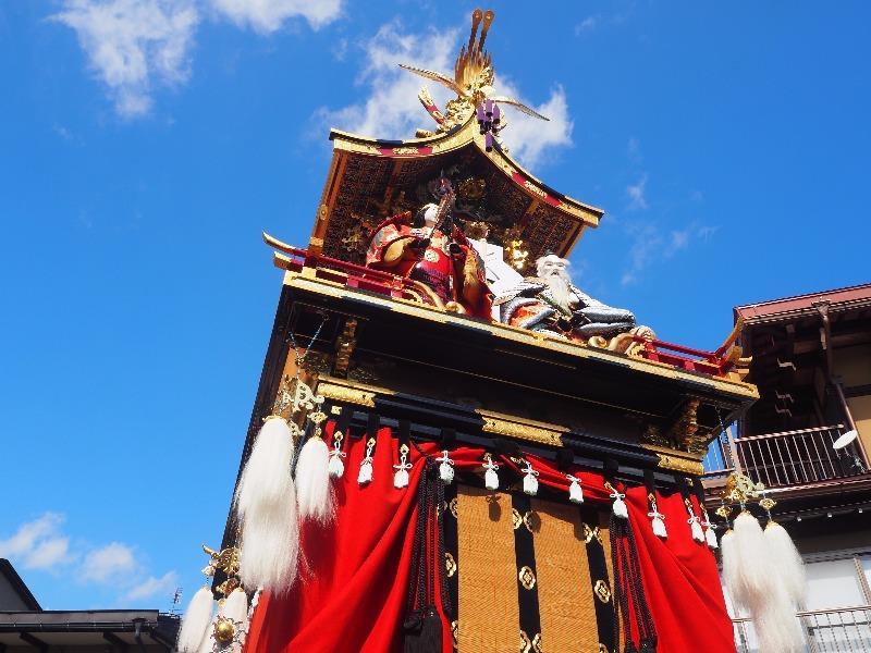 秋の高山祭 屋台曳き揃え 金鳳台