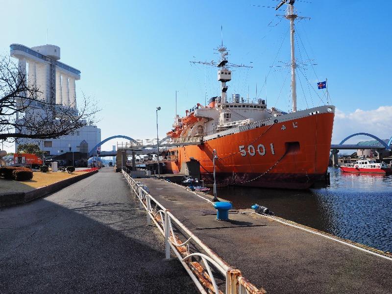 南極観測船ふじ 名古屋港ポートビル