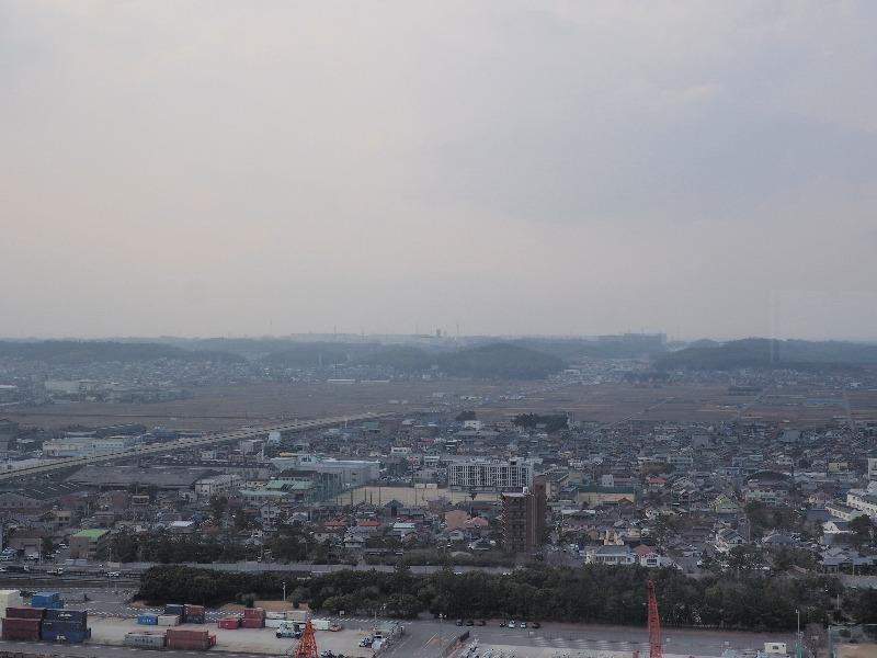 四日市港ポートビル 展望展示室「うみてらす14」北西(滋賀、岐阜方向)