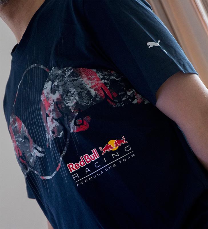 PUMA 572750-01 Red Bull Racing Graphic Tee プーマ レッドブル・レーシング・グラフィックTシャツ