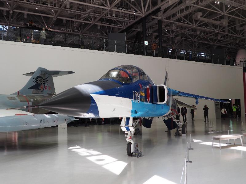 かかみがはら航空宇宙科学博物館 三菱 T-2 高等練習機