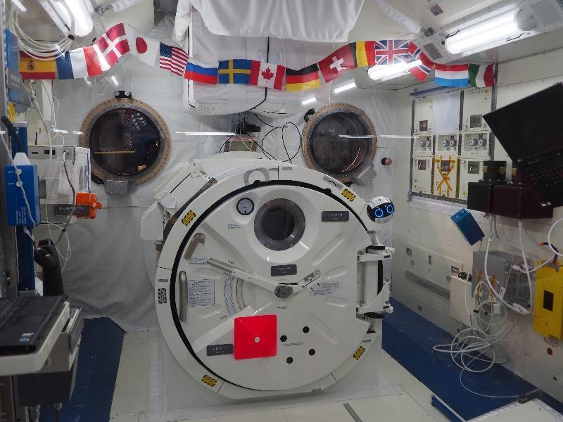 かかみがはら航空宇宙科学博物館 きぼう 船外活動用ハッチ