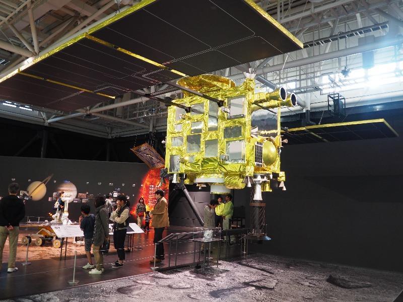 かかみがはら航空宇宙科学博物館 小惑星探査機「はやぶさ2」