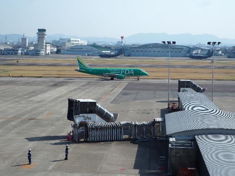 県営名古屋空港 展望デッキ FDA 300 JAL 4400便 福岡発名古屋着