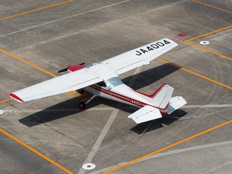 あいち航空ミュージアム 屋上展望デッキ セスナ 172P Skyhawk II(JA4004)