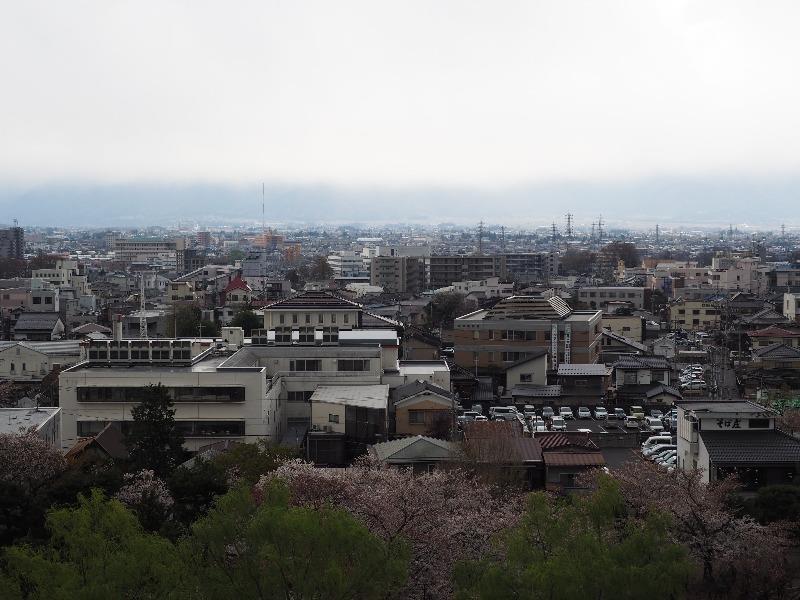 国宝 松本城 最上階(天守六階)西(乗鞍岳・槍ヶ岳方面)