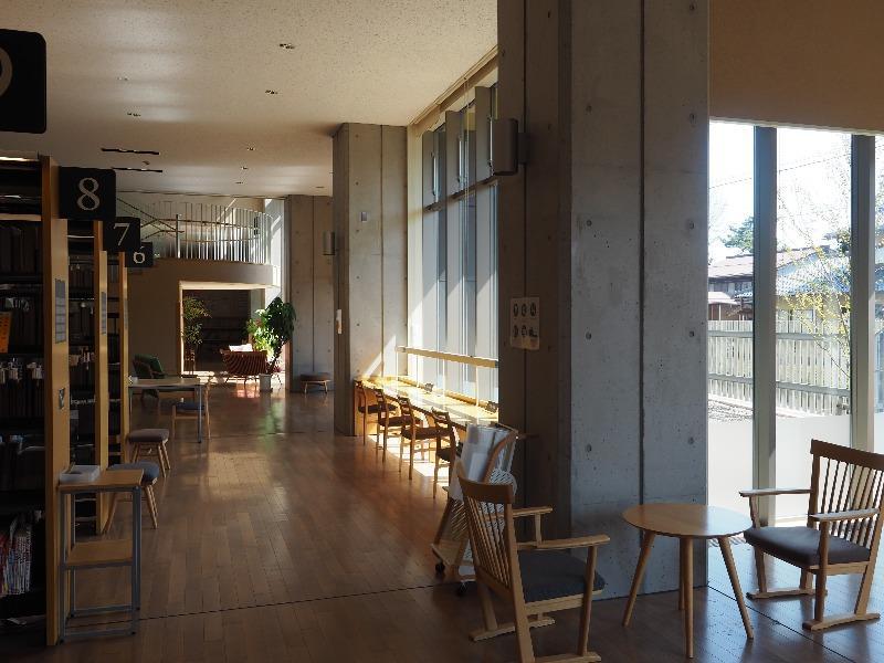 飛騨市図書館 館内(3)