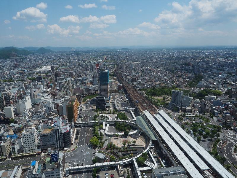 シティ・タワー43 スカイラウンジ展望室 東(JR東海・名鉄名古屋本線 立体交差)