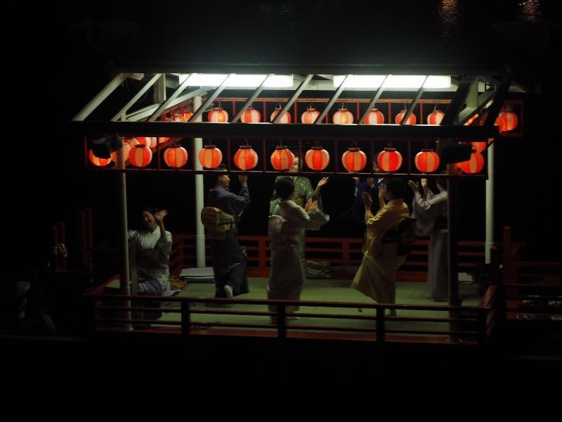 長良川鵜飼 踊り船 芸妓さん(2)