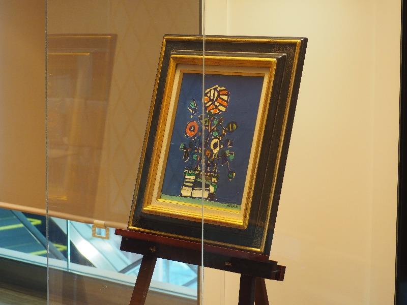 ぎふチャンアートギャラリー アイズピリ展『青いバックの花』