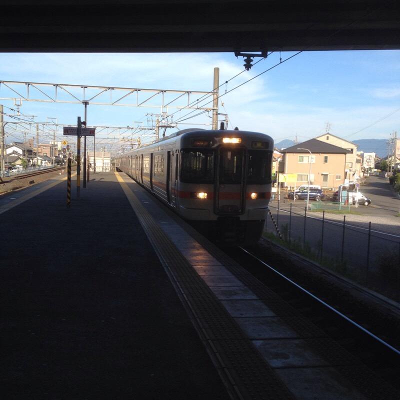 JR西岐阜駅(9)ホーム 2番線のりば 313系(新快速 豊橋行)