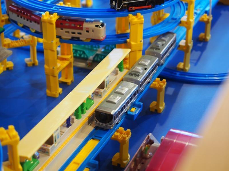 おかでんミュージアム プラレール展示 JR西日本 225系