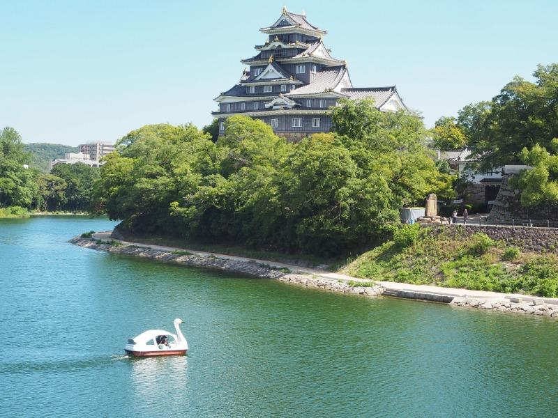 旭川、月見橋から岡山城