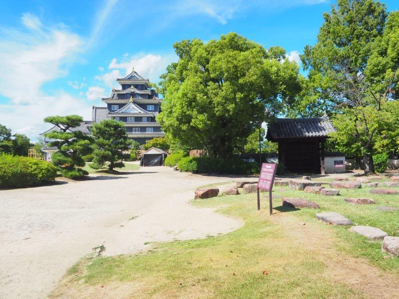 岡山城本丸 本段から天守閣
