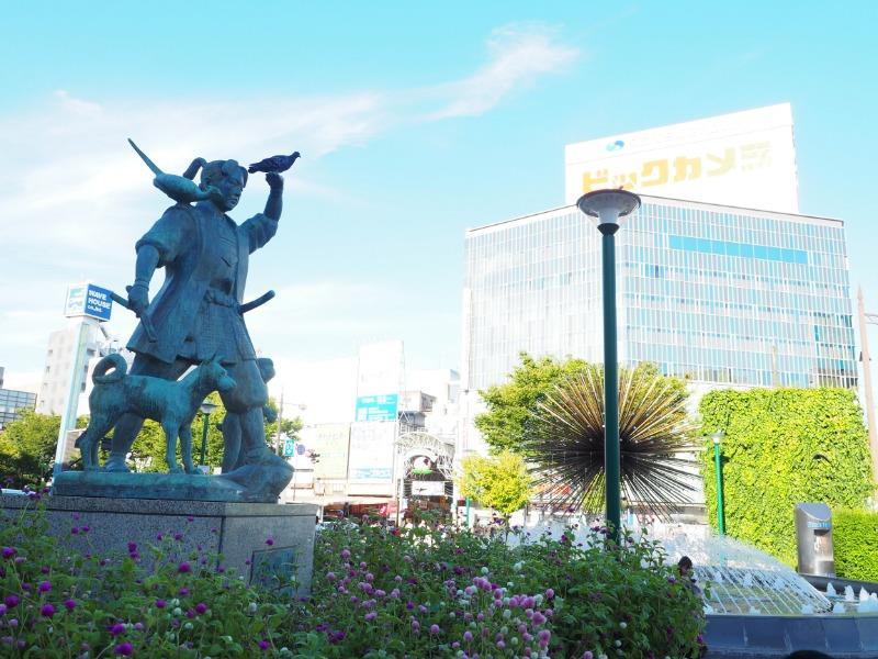 岡山駅 東口 桃太郎像
