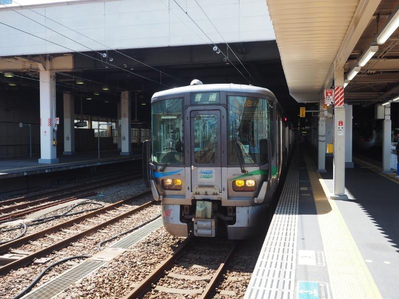 金沢駅 あいの風とやま鉄道 521系電車