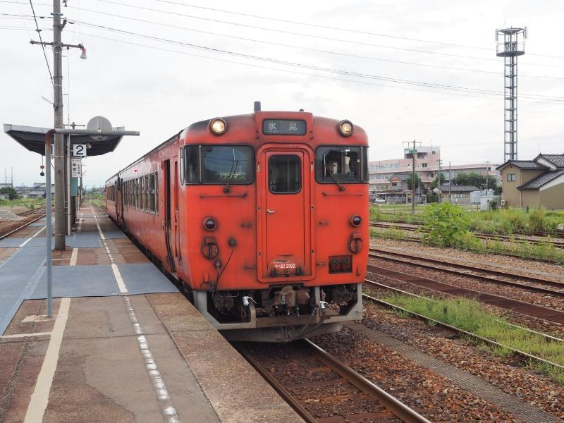 能町駅 城端線 キハ40系