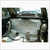 防錆、防振、防音材の貼り付け作業