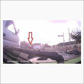 210625ドラレコ画像 交差点対抗車線はみ出し・出会い頭(バーキン)